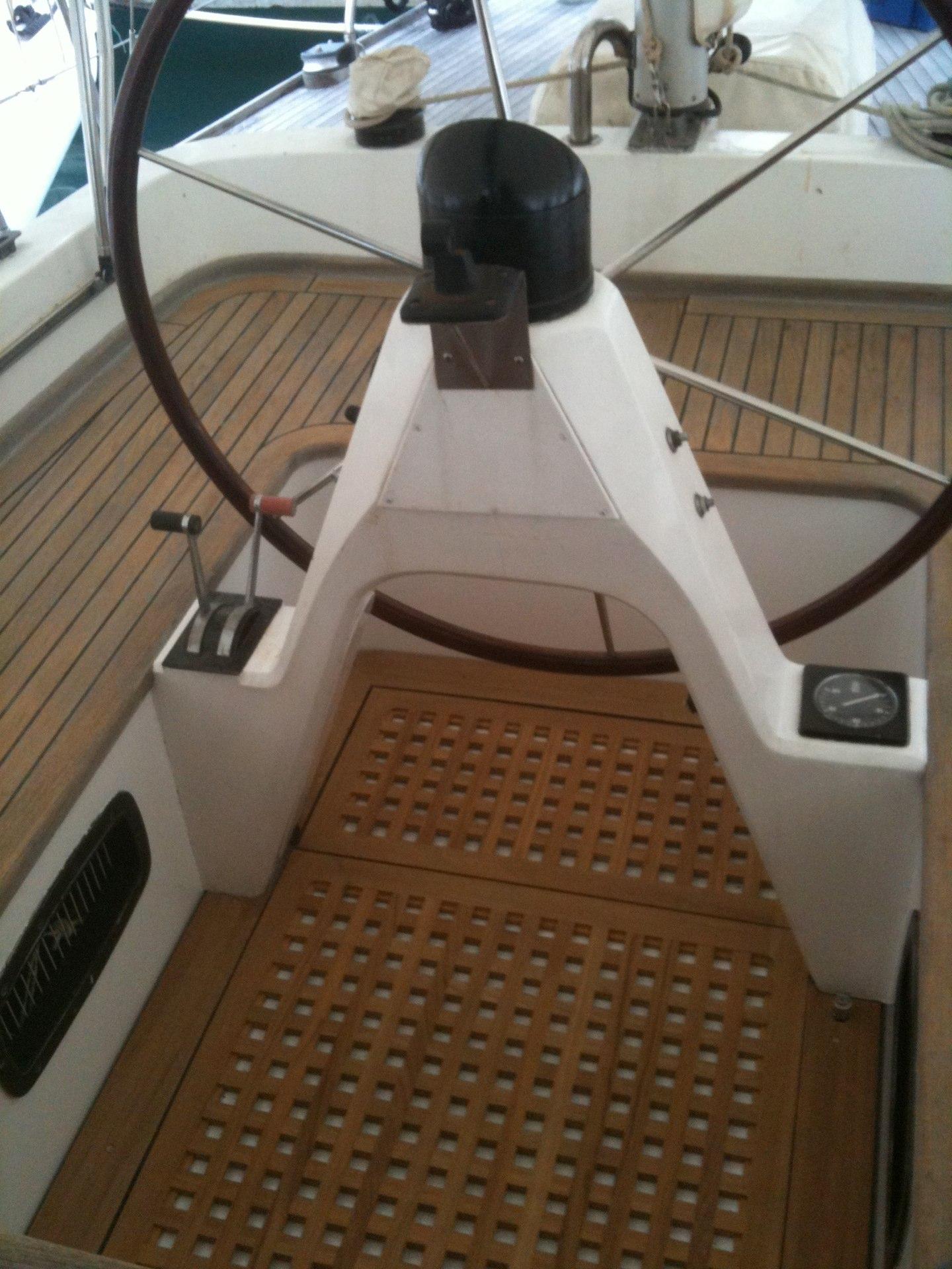 pose de caillebotis charpente marine. Black Bedroom Furniture Sets. Home Design Ideas