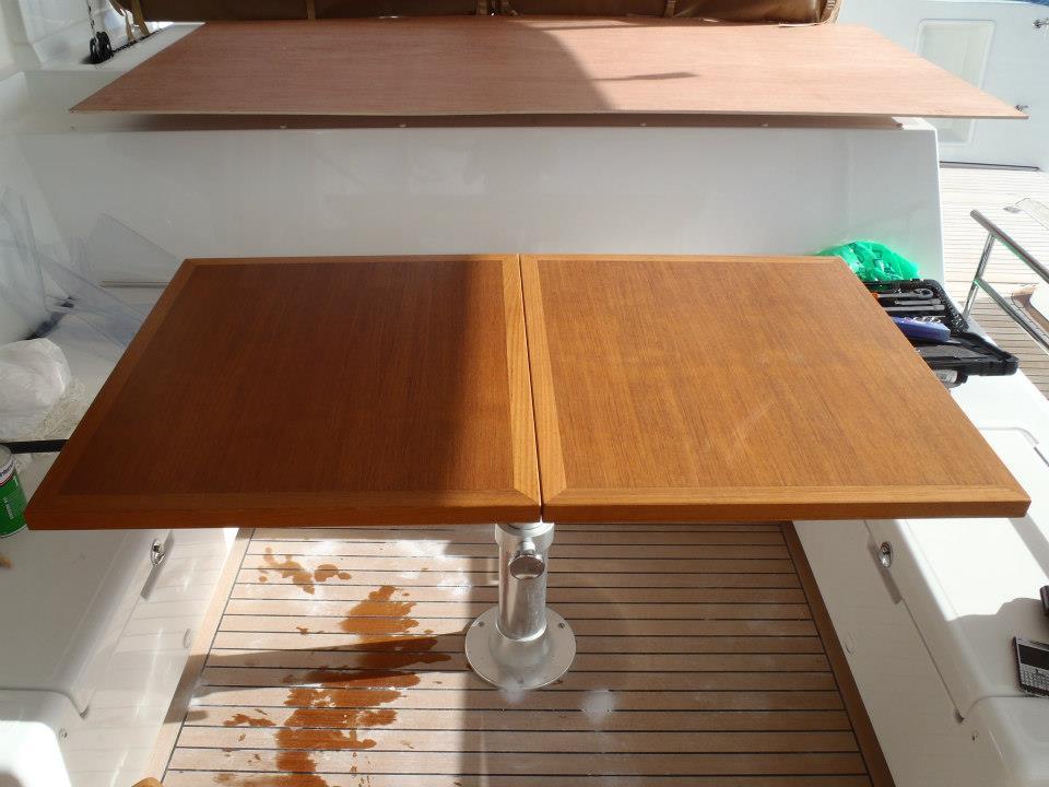Table en Teck avant